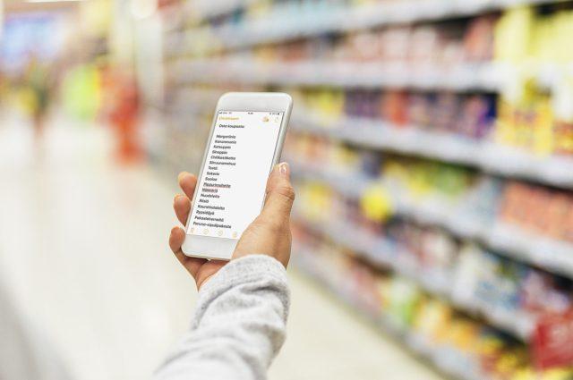 Kotiruoka syntyy edullisesti perusruokatarvikkeista, jotka kannattaa ostaa isosta marketista.